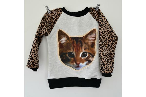 Biglogo_cat_20sweater