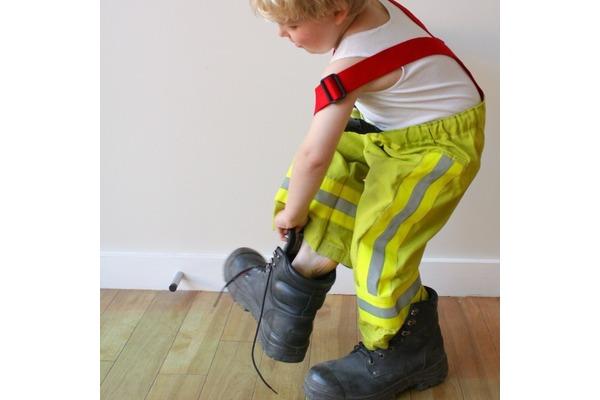 Biglogo_fireman_s_20pants_20with_20big_20boots
