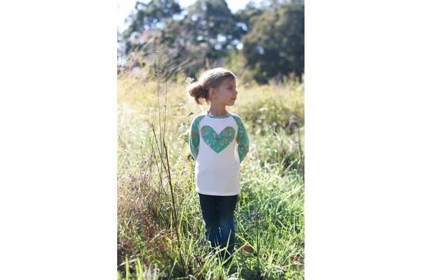 Biglogo_heart_20raglan_20shirt-2